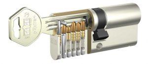 قفل های سنتی و کلید مکانیکی