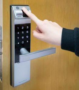 باز کردن درب توسط اثر انگشت