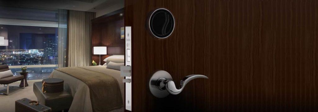 آشنایی با قفل الکترونیکی درب هتلی