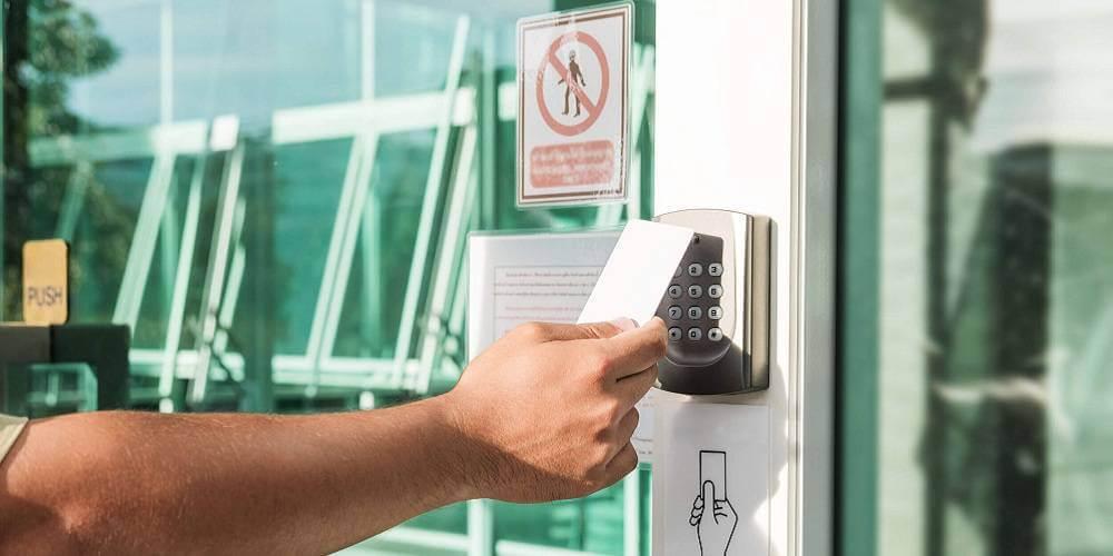 مزایای نصب قفل کارتی در کسب و کار شما